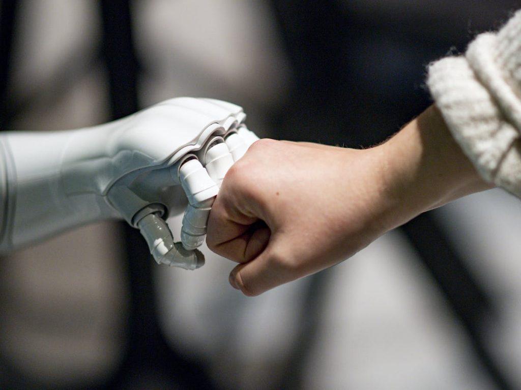 robot & human hands